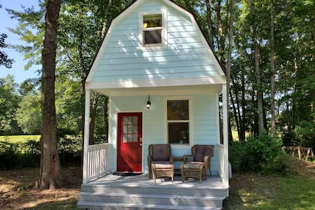 AMAZING TINY HOUSE for a unique & relaxing vacay!