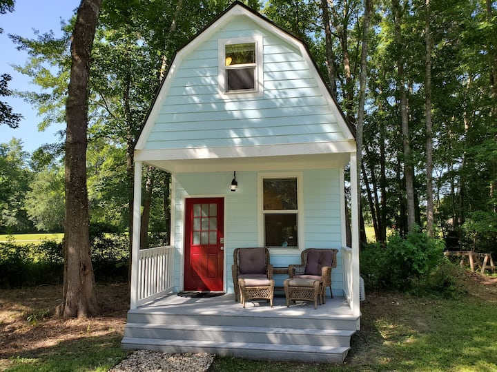 EXERIENCE Tiny house living in this creative space