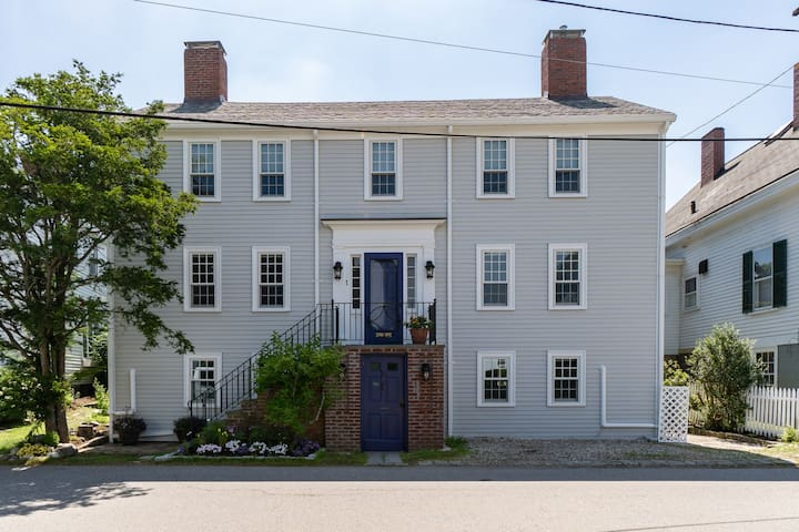 NEW LISTING! Dog-friendly apartment in a prime location - walk to town beaches!