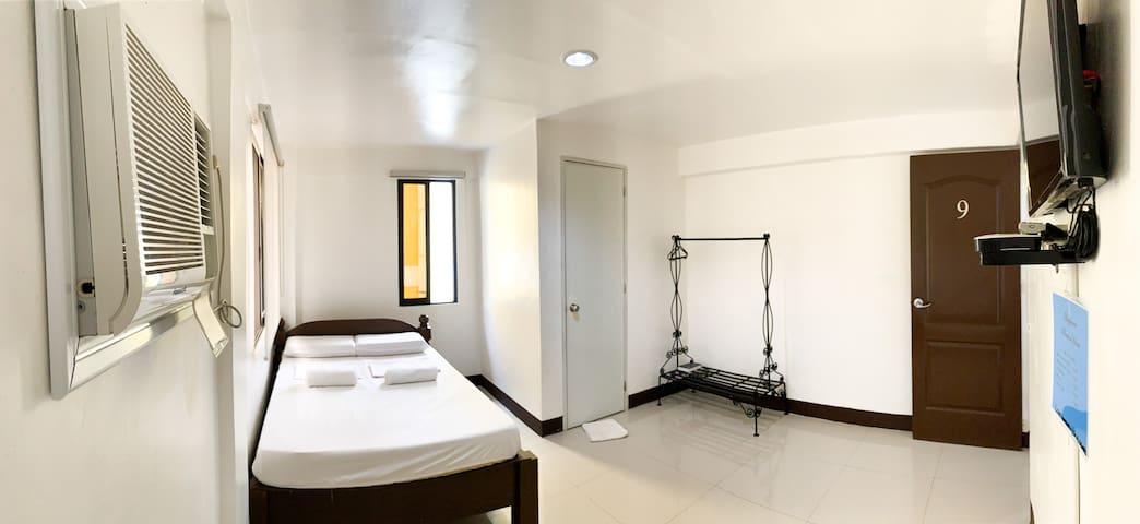 Bayawan Pension House (Matrimonial Suite)