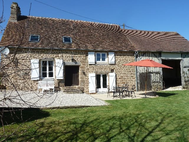 NORMANDY/RESTORATED OLD FARM AS COTTAGE/ROMANTIC. - Saint-Bômer-les-Forges - Hytte
