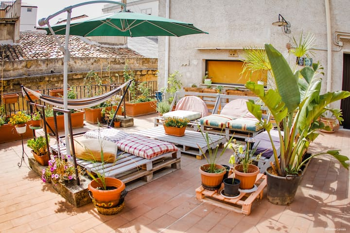 a CENTRAL and CHEAP shared room with TERRACE - Palermo - Lägenhet