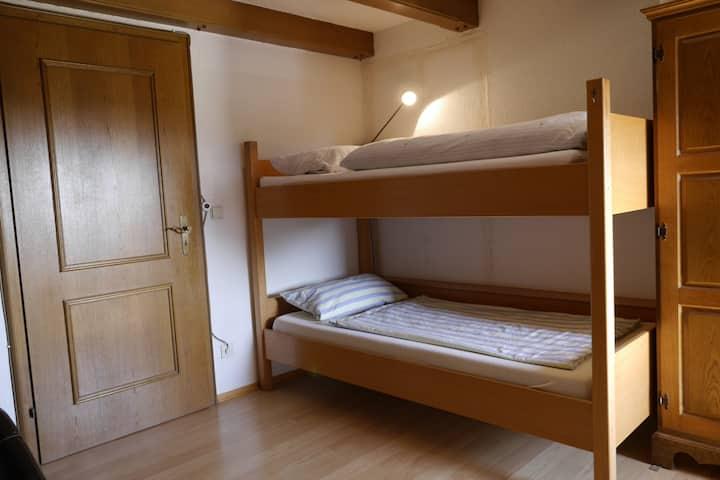 Hochbett 1 Gemeinschaftsschlafzimmer Frauen