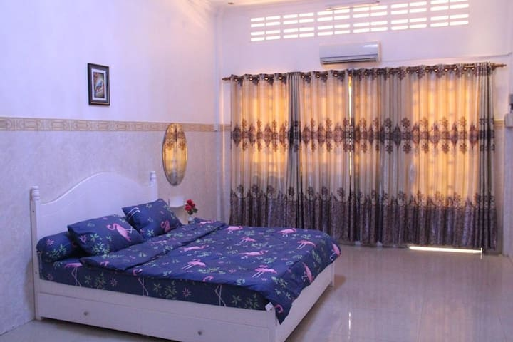 Sola Residence (Easy access and Comfortable)