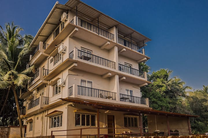 OYO Homely Peace 1 BHK Home, Near Candolim Beach