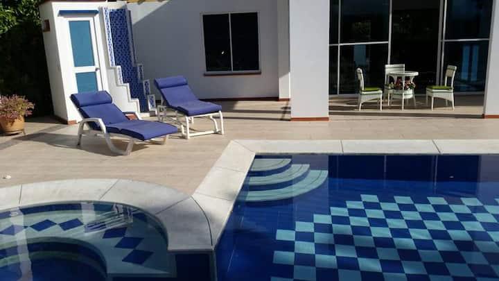 Villa Calipso (Conjunto Cerrado & Pet Friendly)