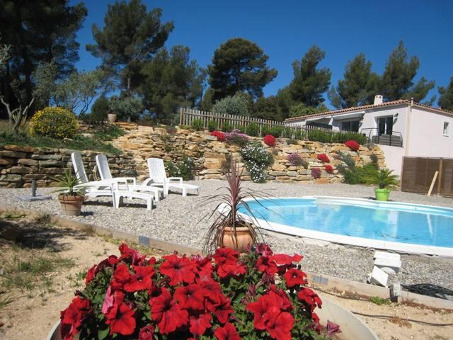 Magnifique maison lumineuse,vue sur la Cadière - La Cadière-d'Azur - Huis