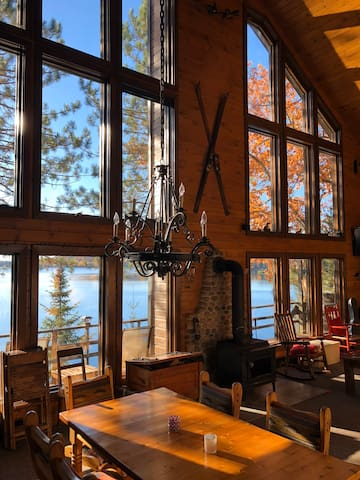 Lake side cottage on the pristine lac viceroy