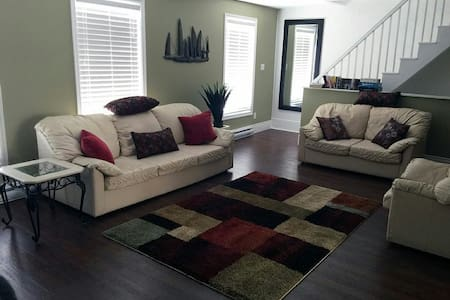 County Vacation Suites - Trenton - Apartment