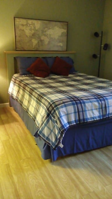 queen size bed with memory foam topper