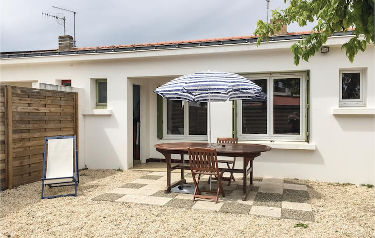Holiday cottage with 2 bedrooms on 43m² in La Tranche-sur-Mer