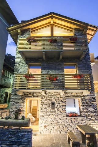 B&B Terre Aromatiche_room Mirtillo - Chiesa In Valmalenco - Bed & Breakfast