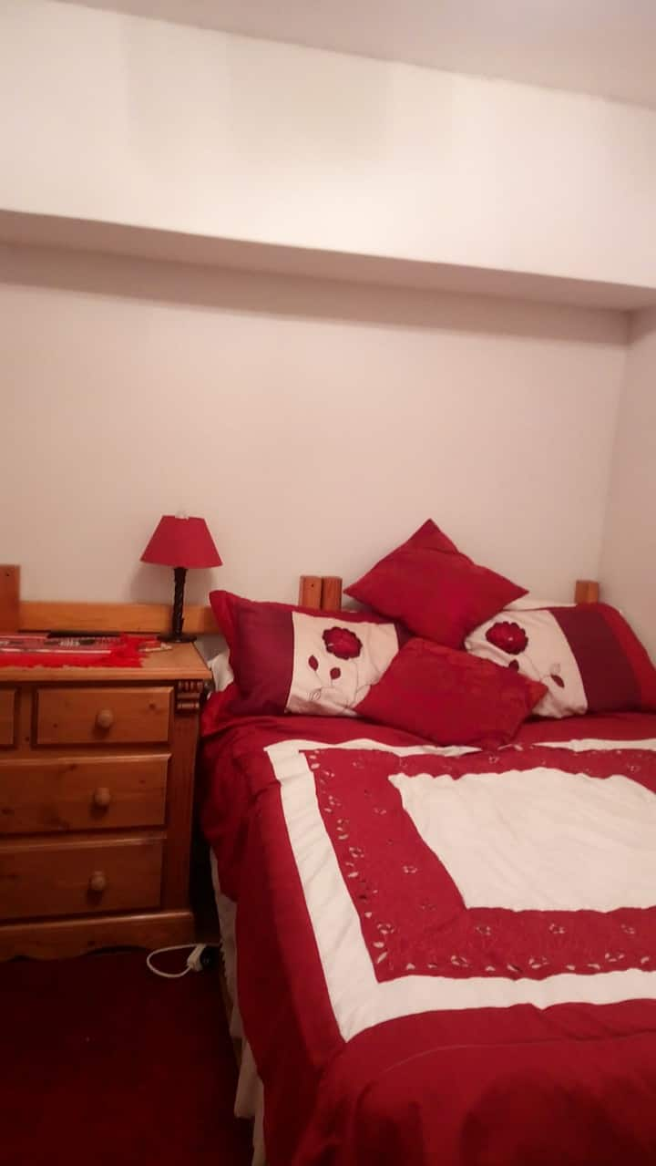 Quiet Household room 4