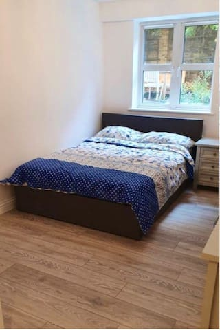 Quiet Double Room in Central London