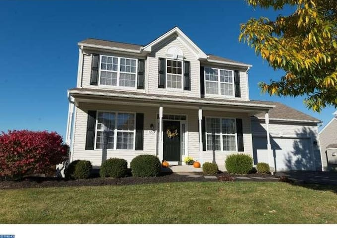1 Room For Rent In Beautiful Chester County Home - Coatesville - Dům