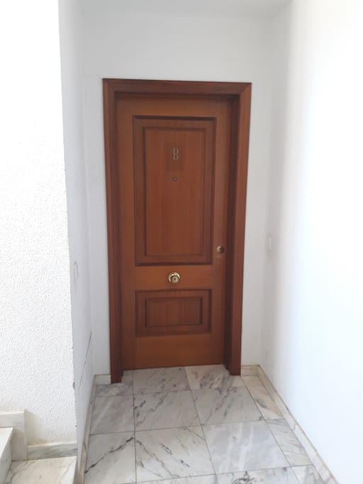 Entrada del apartamento. Entrance of the apartment.