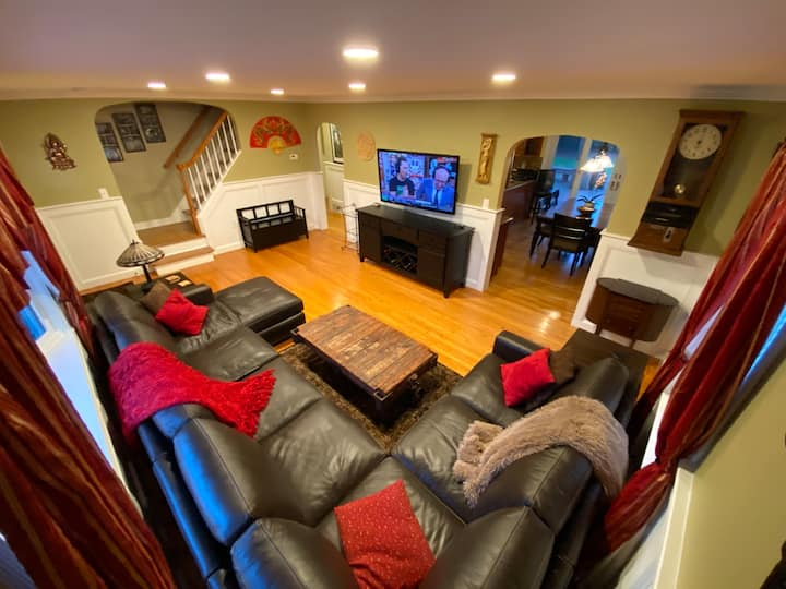 Deluxe Princeton Junction Home close to University