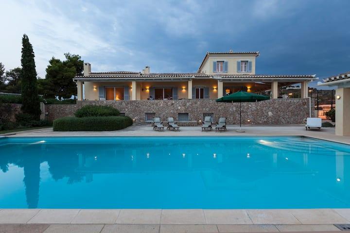 Luxurious Seaview Villa