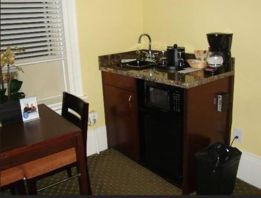 Hotel style kitchenette