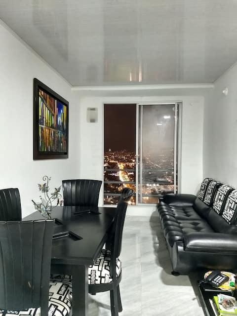Hermoso departamento con estacionamiento , 3 habitaciones, 2 baños, sala, comedor, agua caliente, y la mejor vista de la ciudad 😉