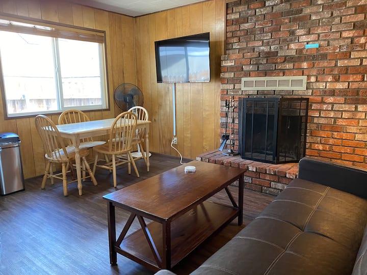 Blue Bear Lodge Cabin 3- Mountain Lodge Experience