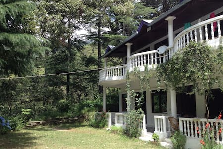 Jageshwar Jungle Lodge in Jageshwar - Szoba reggelivel