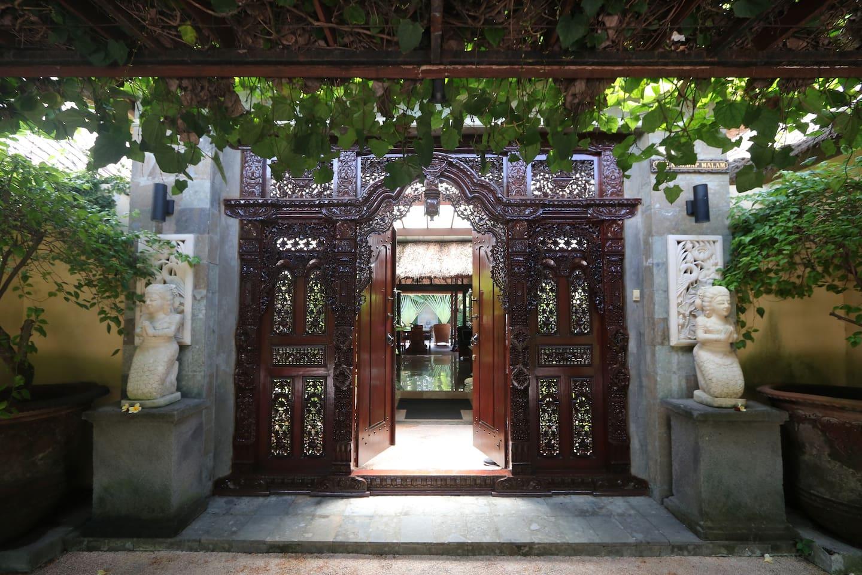 "Entry to Villa ""Sedap Malam"""