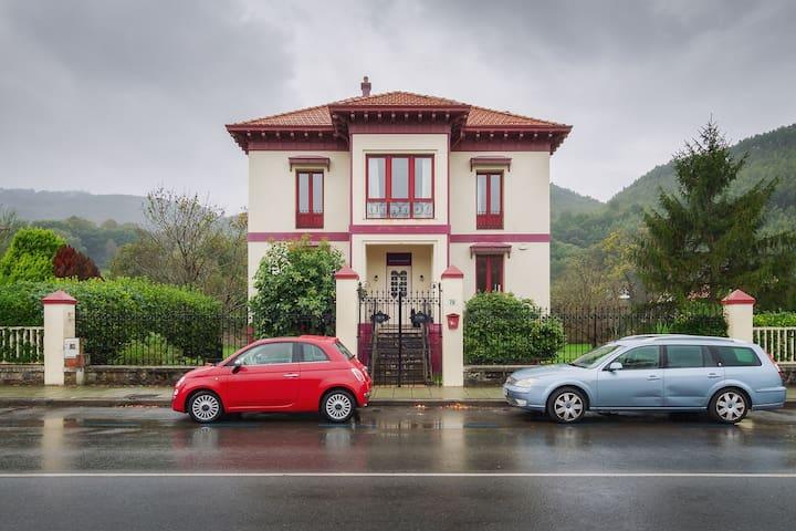Casa Indiana en el centro de Bakio (LBI00430)