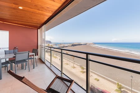 Exclusive apartment with sea views