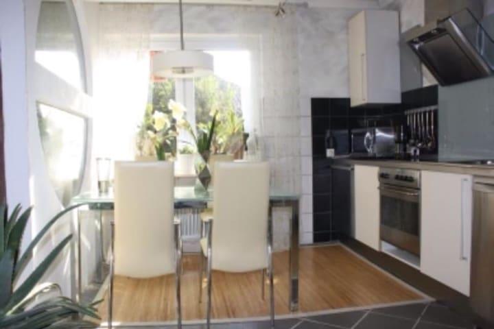 Fewo Villa Wohntraum Varel Nordsee1 - Varel - Lägenhet