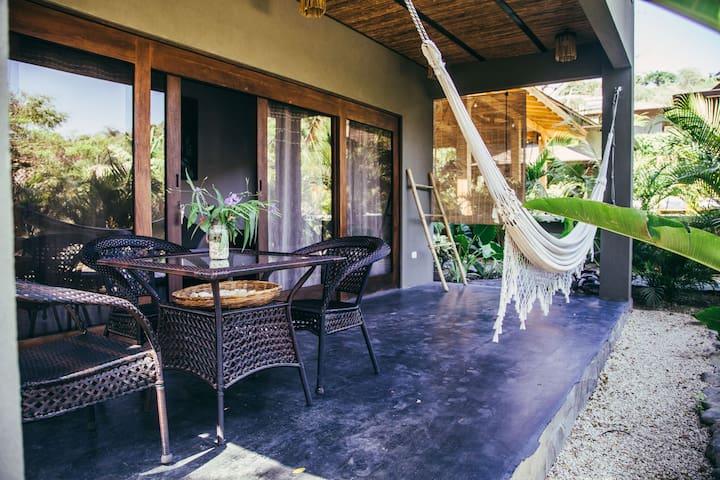 Apartment OLAS ' Lua Villas ' Tropical Poolside