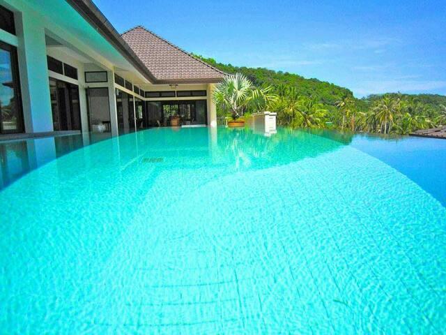 Beach Front  Tai Pan Villa 4Bedroom ,CapePanwa - Phuket - Villa