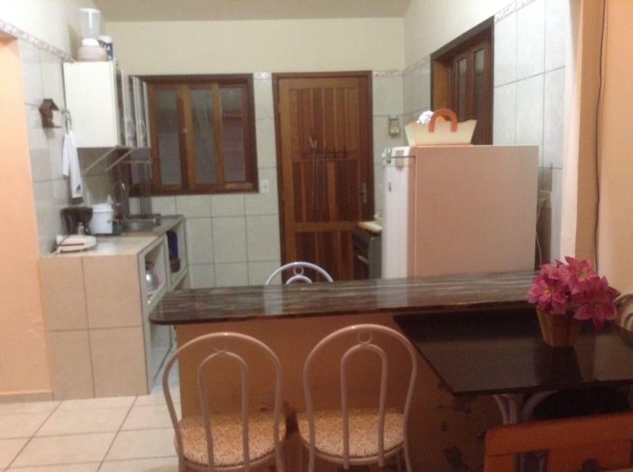 Cozinha mobiliada e equipada