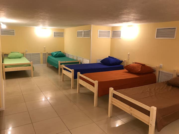HOSTOUR -room for 9 people