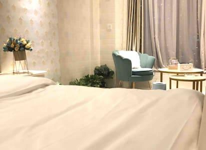 简欧式温馨民宿