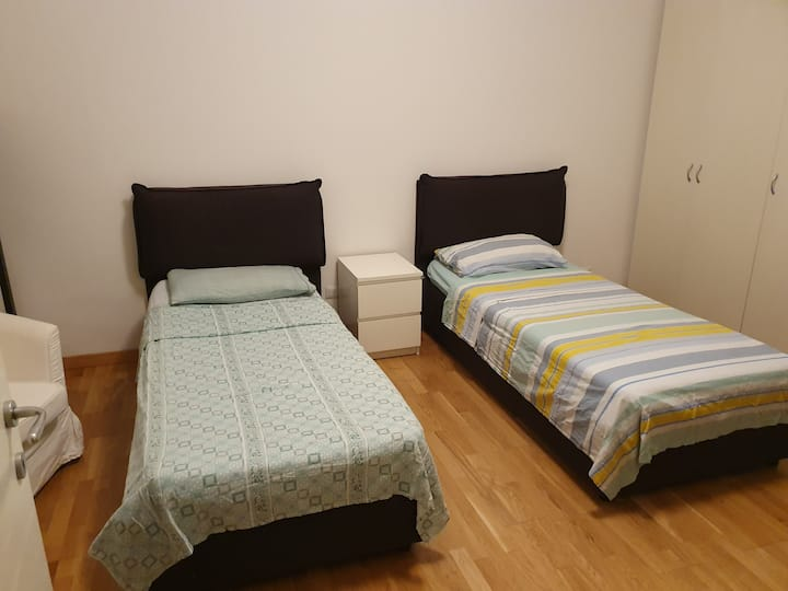 nice and comfortable room in the center of Milan
