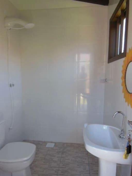 Banheiro do quiosque externo.