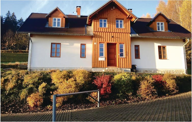 Semi-Detached with 3 bedrooms on 94m² in Janov nad Nisou