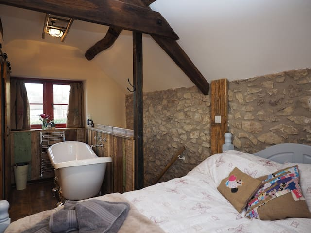 Make your escape to this perfect enchanting barn! - Brassington - House