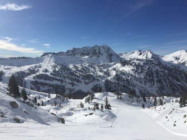 Isola 2000 et son domaine skiable Isola 2000's ski resort
