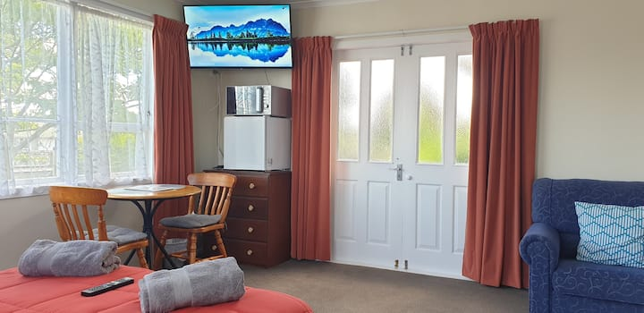 Taupo Bed And Breakfast