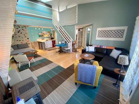 Downtown BV Garden Apartment!
