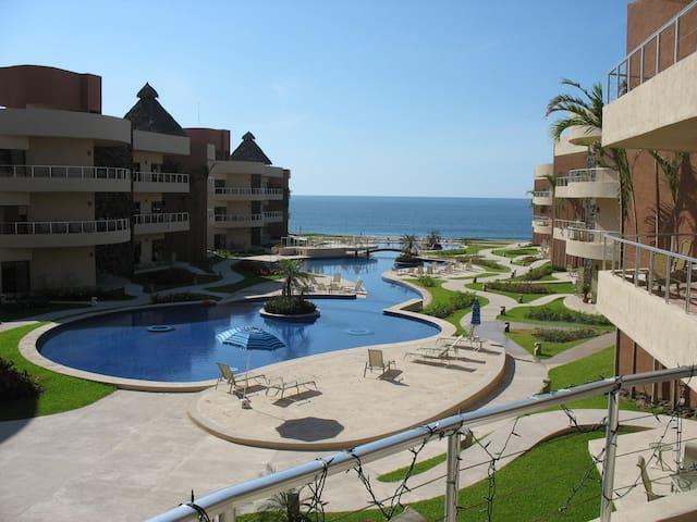 Playa Grande Resort Ocean Front 3 Bedroom Condo - Cihuatlán - コンドミニアム
