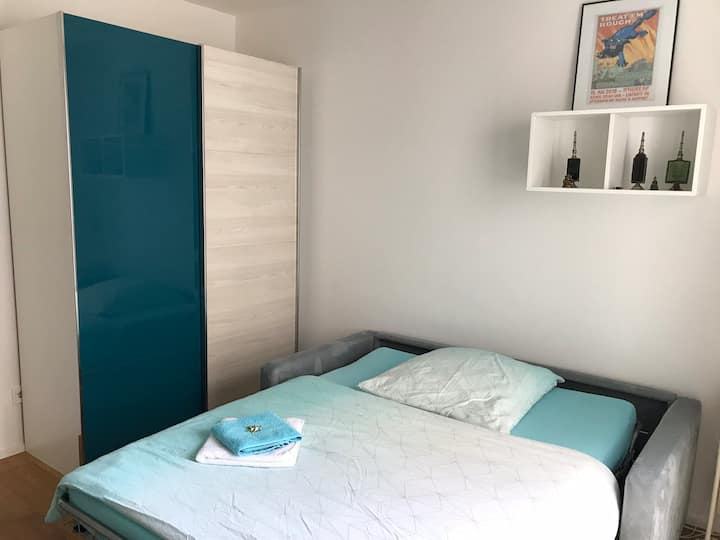 Quiet space for two near fair & city