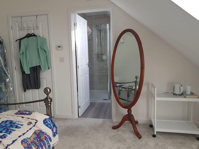 Room with en suite