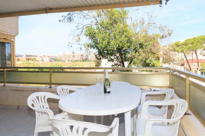 AirCon Apartment Beach 80m · Parking ·  UHC VALENCIA