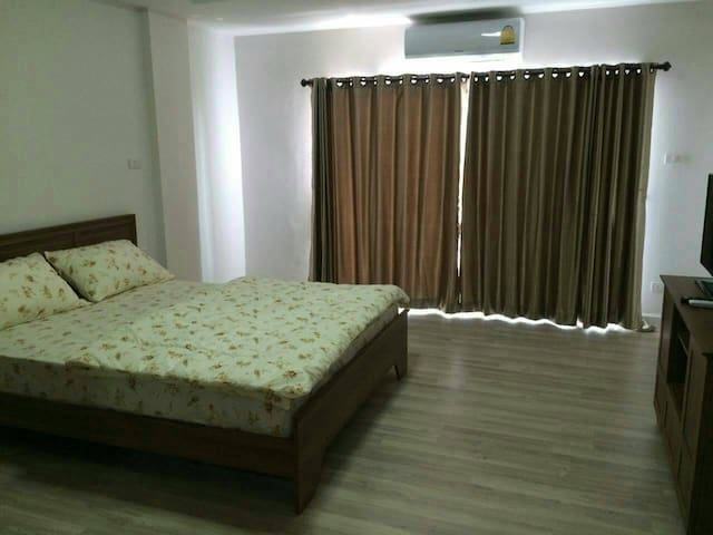 Seven Stars Condo - Chang Phueak - Apartemen