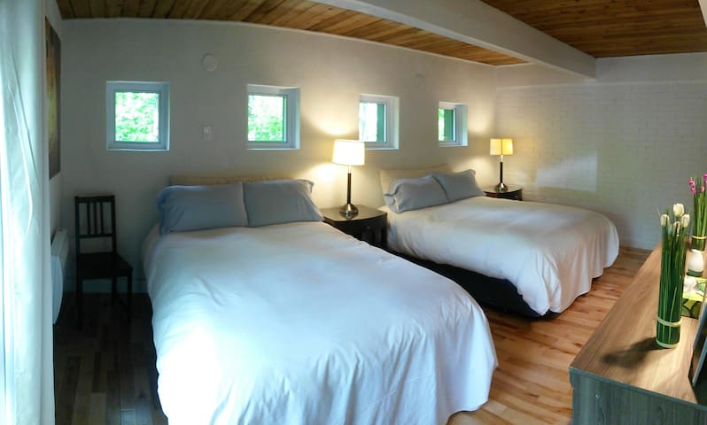 Chambre 3 - deux lits doubles