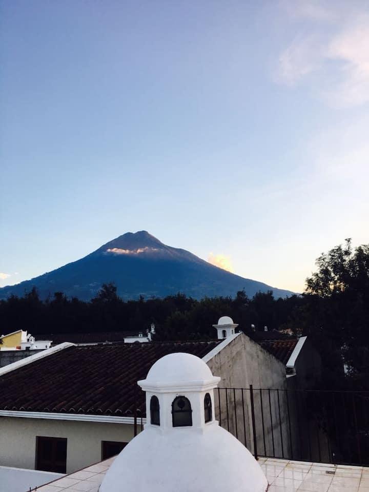 Linda casa de habitación en Antigua Guatemala.