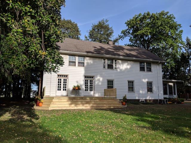 Candoren Guest House